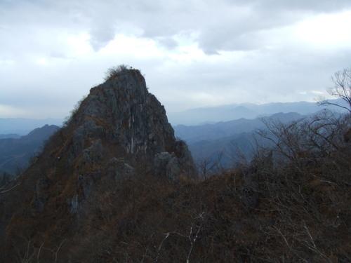 二子山西岳
