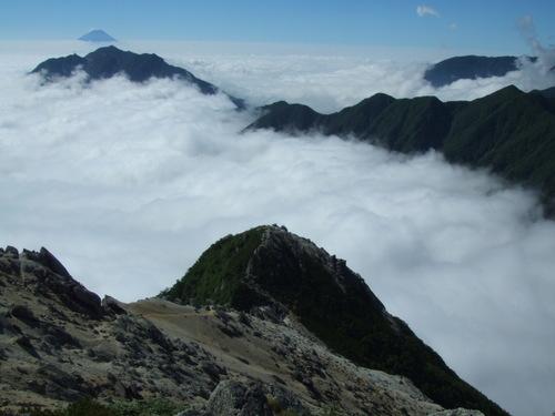 摩利支天・アサヨ峰・鳳凰三山・富士山